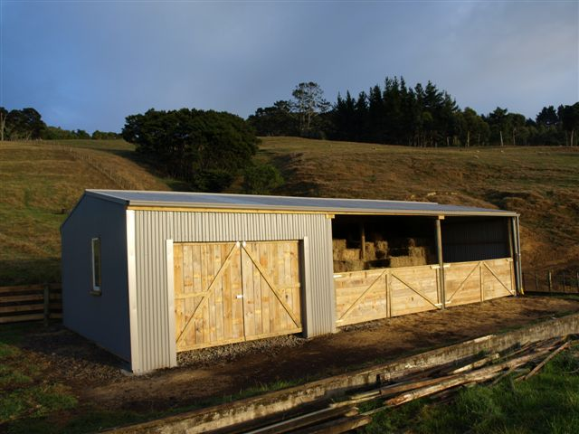 Farm shed gallery farm sheds buildings barns cattle for Cost to build farmhouse